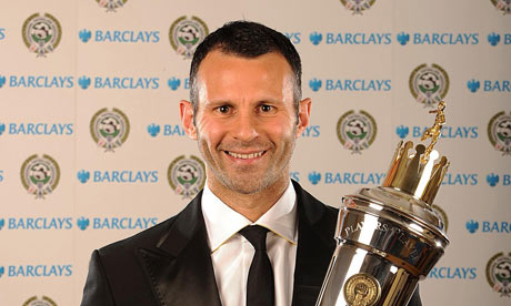 Ryan Giggs and the 2008/2009 PFA Player of the Year's Award.