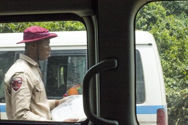nigerian-bus-ride_8