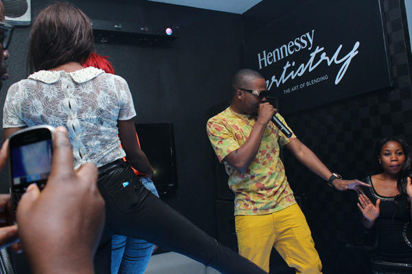 olamide-on-stage-1