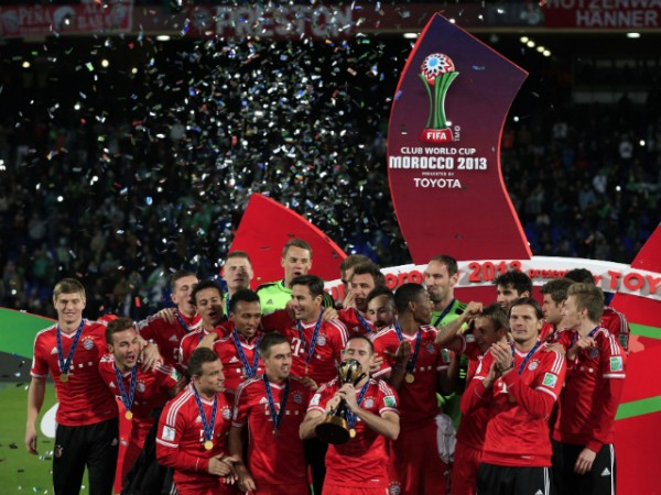Ribery Kisses and Lifts the Fifa Club World Cup.