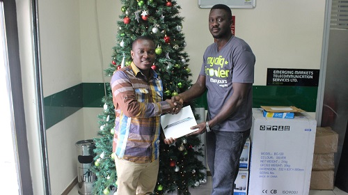 One of the lucky winners of #EtisalatChristmasGiveaways