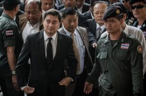 Opposition leader, Former Prime Minister Abhisit Vejjajiva (left)
