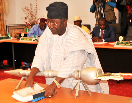 GOV. JONAH JANG  OF PLATEAU,   LAYING  THE  2014 APPROPRIATION BILL BEFORE   PLATEAU  HOUSE OF ASSEMBLY IN JOS ON THURSDAY (NAN).