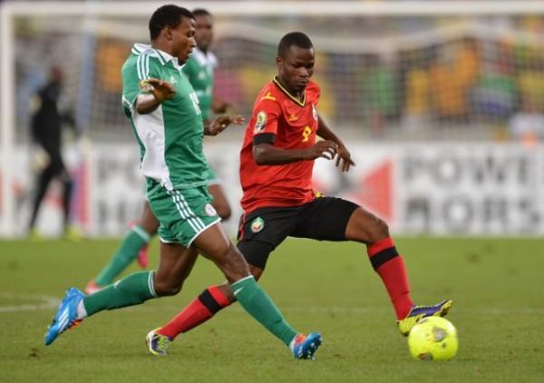 Pillars' Abdullahi Shehu Came On for the Injured Sunshine Stars Midfielder Ikenna Paul.