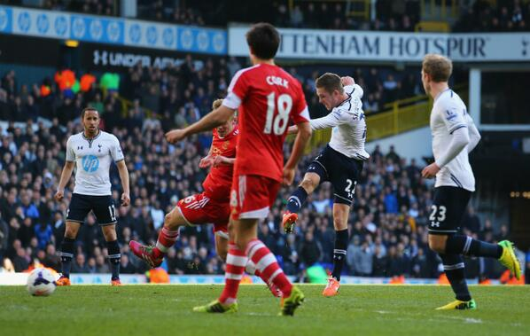 Gylfi Sigurdsson's Injury Time Strike Earned All Three Points for Come Back Kings Spurs. Getty Image.