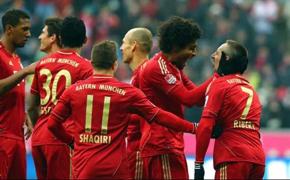 Bayern Munich Players Celebrates Franck Ribery's Goal.