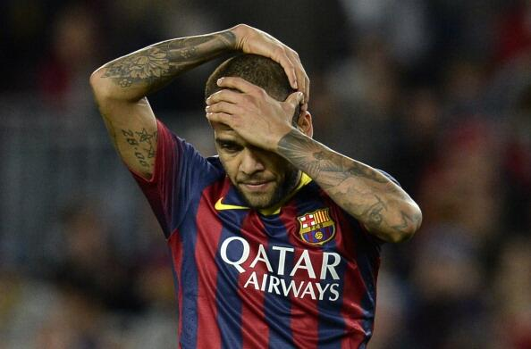 Dani Alves has Received Tremendous Support for His Response to Banana-Throwing Racist.