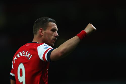 Lukas Poodolski's Brace and Olivier Giroud Strike Guides Arsenal Back Into the Premier League Fourth Place.