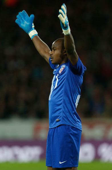Vincent Enyeama Moves for a Champions League Appearance With Lille.