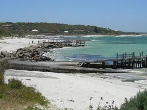 beach_near_augusta__western_australia_N2
