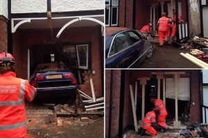 PAY-A-car-crashes-into-a-house-in-Earlsdon-Coventry