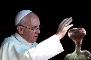 Pope-Francis-blesses-aliens