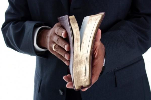 pastor11-670x446