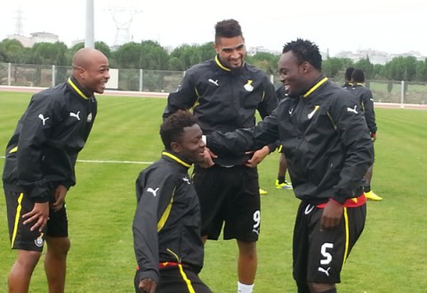 Muntari, Boateng, Essien and Ayew Shares a Joke During a Training Session.