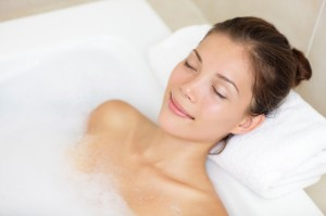 5 Amazing Health Benefits of a Warm Bath