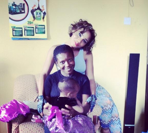 maheeda_with_children4