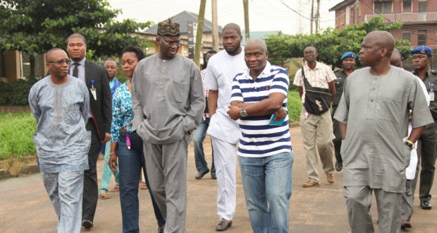 LAGOS STATE GOVERNOR, MR. BABATUNDE FASHOLA SAN (2ND LEFT), COMMISSIONER FOR HEALTH, DR. JIDE IDRIS (2ND RIGHT), HIS SPECIAL DUTIES COUNTERPART, DR. WALE AHMED (LEFT), SPECIAL ADVISER ON PUBLIC HEALTH TO THE GOVERNOR, DR. (MRS.) YEWANDE ADESHINA (2ND LEFT, BEHIND) AND SPECIAL ADVISER ON MEDIA TO THE GOVERNOR, MR. HAKEEM BELLO (RIGHT) DURING THE GOVERNOR'S INSPECTION VISIT TO THE ISOLATION WARD PREPARED FOR PATIENTS WHO HAVE SHOWN SYMPTOMS OF THE EBOLA VIRUS DISEASE AT THE LAGOS MAINLAND HOSPITAL, YABA, ON FRIDAY