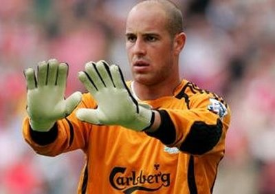 Bayern Munich Agree on a Deal for Liverpool's Pepe Reina.