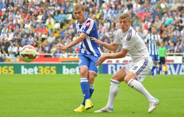Toni Kroos and Alex Bergantinos During Deportivo's 8-2 Humiliation at the Riazor. Image: AFP.
