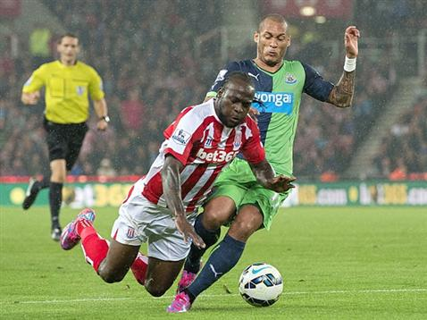 Victor Moses Tripped in the Box by Yohan Gouffran. Image: Stoke City.