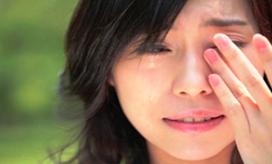 crying-Asian-woman