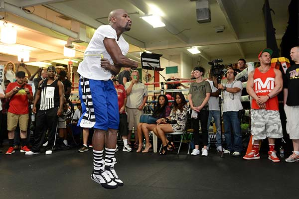 Wait Till MAYHEM to Try Solve the May Vinci Code? Mayweather During a Workout Session for His Rematch With Maidana on September 13. Image:Naoki Fukuda/FightNews.