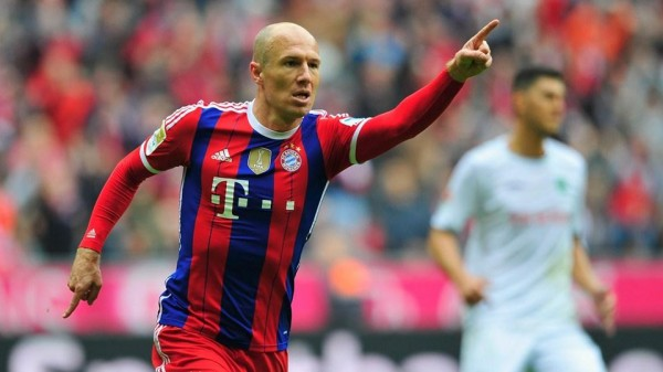 Arjen Robben celebrates Scoring Bayern's Second Goal vs Hannover 96. Image: Bayern Munich FC via Getty.