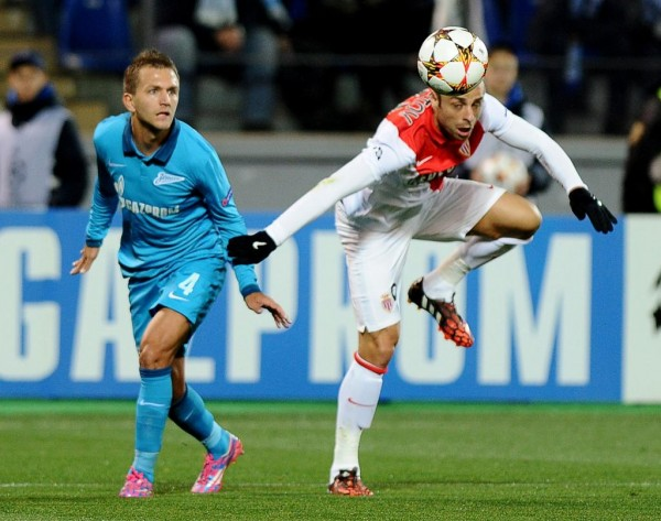 Injured Berbatov Out for Three Weeks
