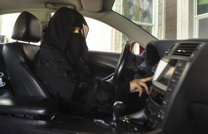More than 2,800 have signed an online petition seeking an end to the ban on women driving in the Saudi kingdom.