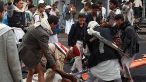 At Least 33 Dead in Yemeni Clashes, U.S. drone Kills Seven
