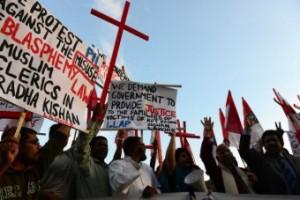 Pakistan Policeman Hacks Man to Death For Alleged Blasphemy