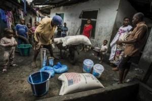 Thousands in Sierra Leone Violat Ebola Qarantine in Search of Food