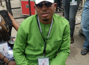 Naeto C attends Goodluck Jonathan's declaration ceremony in all green